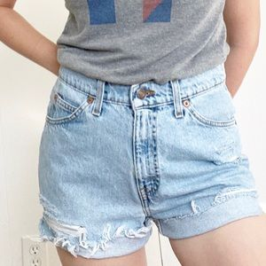 Vintage Levi's high waisted cut off shorts light